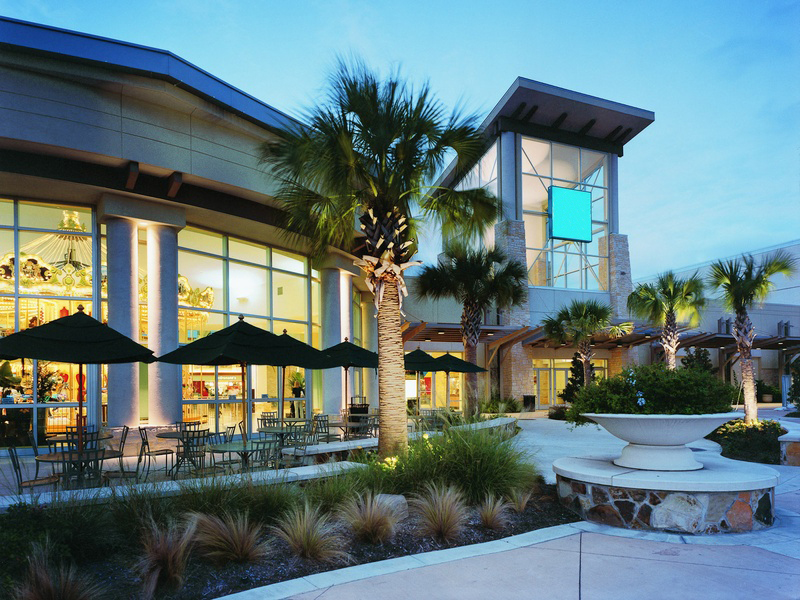 How Can Landscape Lighting Improve Security on Commercial Properties?