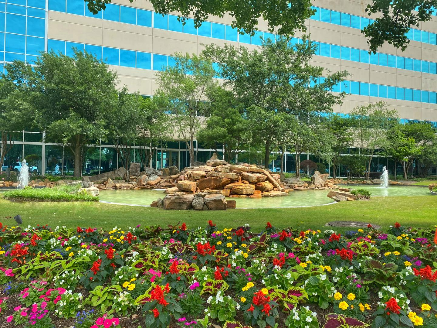 What do commercial landscaping customers expect to get out of a landscape maintenance provider?